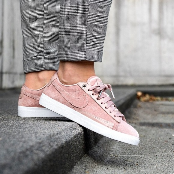 huge discount 149b4 cd3db Brand New Nike Blazer Low LX Suede Blush Pink